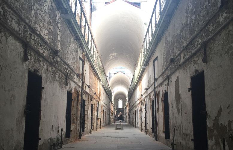 c_022_042_prison_02